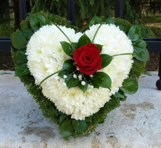 Funeral Flowers Single Rose Petite Heart From £50